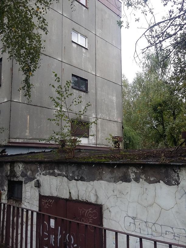 ul. Fryderyka Szopena – teren zabudowany budynkiem nieczynnej wymiennikowni ciepła